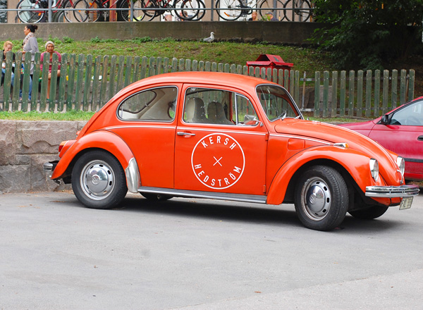voiture orange vintage