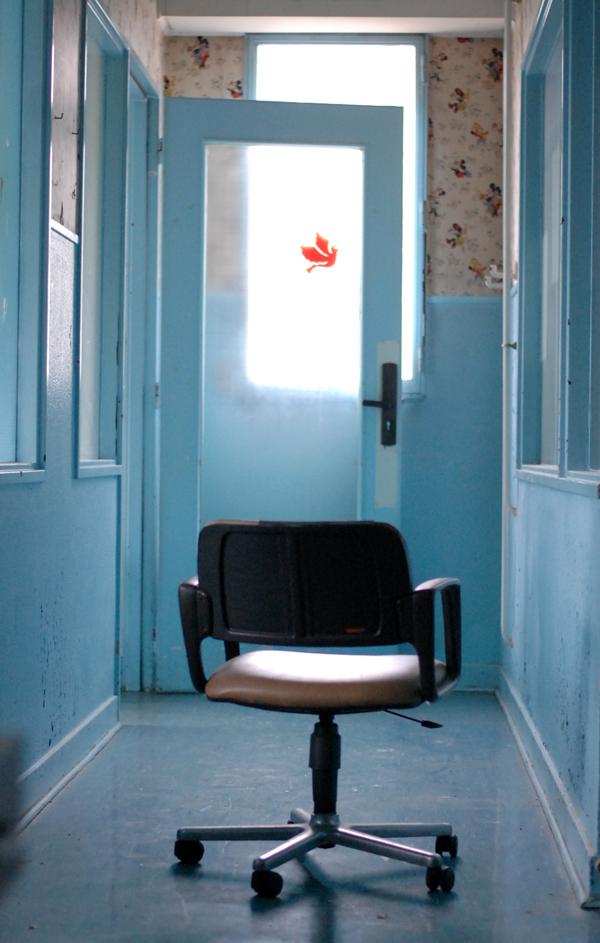 urbex couloir bleu