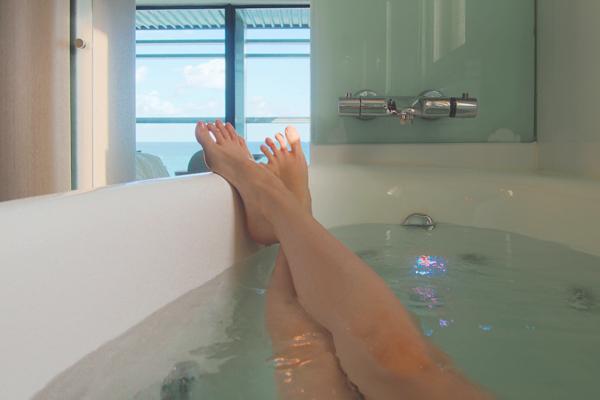 baignoire balnéo Hotel Oceania