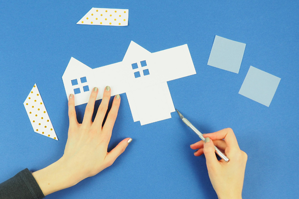 maisons en papier Découper les contour de la maison