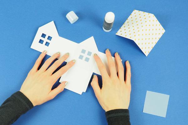 maisons en papier coller un petit carré